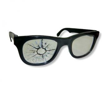 Scherzbrille mit Einschußloch