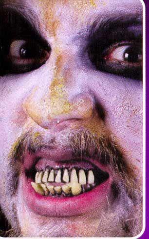 Ober und Unterkiefer Zombie