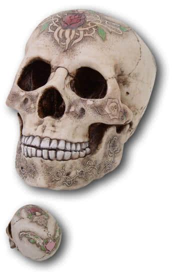 Totenschädel mit Rosen Tattoo