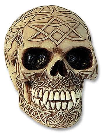 beigefarbiger Skull keltisches Design