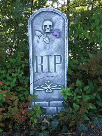 Grabstein mit Skull und Rose