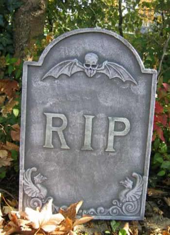 Grabstein Skull and Bat