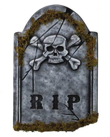 Moosiger R.I.P. Gedenkstein mit Totenkopf