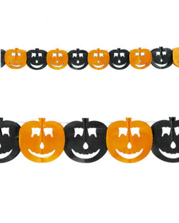 Pumpkin garland of paper