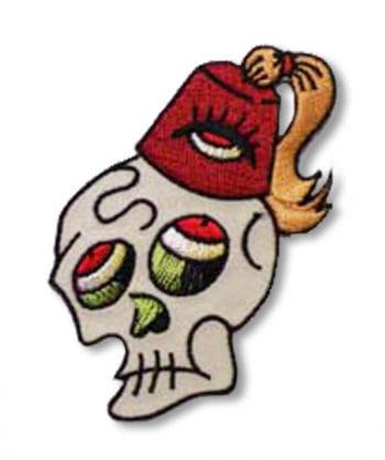 Totenkopf Aufnäher Fezzy Skull links