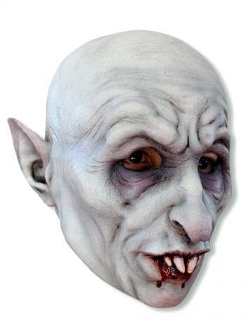 Nosi Vampir Maske